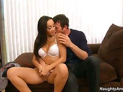 Jordan Ash stretches charming Katsunis crevice with
