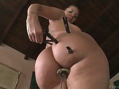 Kelly Immortal shows every inch for her body