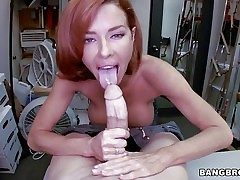 Fetching redhead milf Veronica Avluv respecting fat tits with the addition of tight