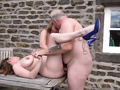 2 big-titted mature cougars porked outdoors